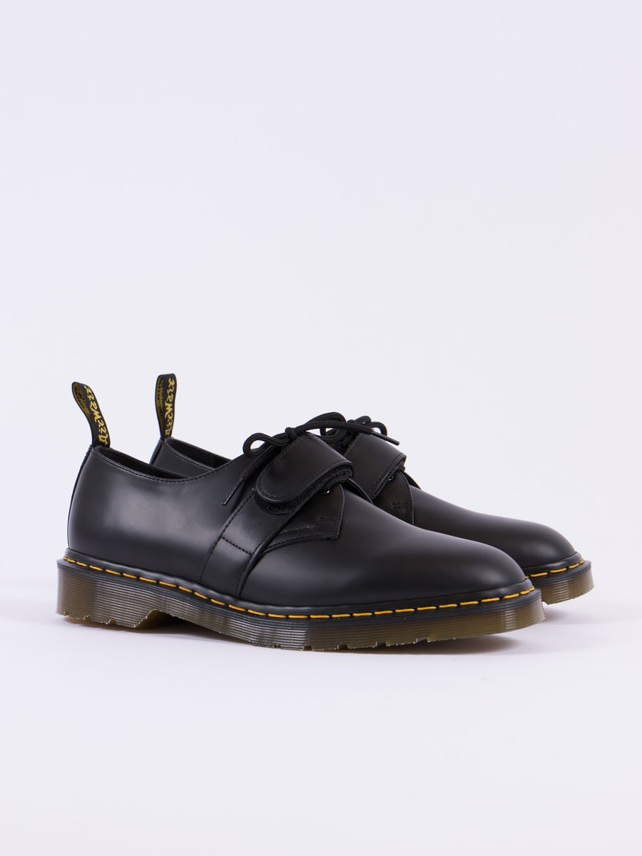 Black Smooth Leather Velcro Shoe