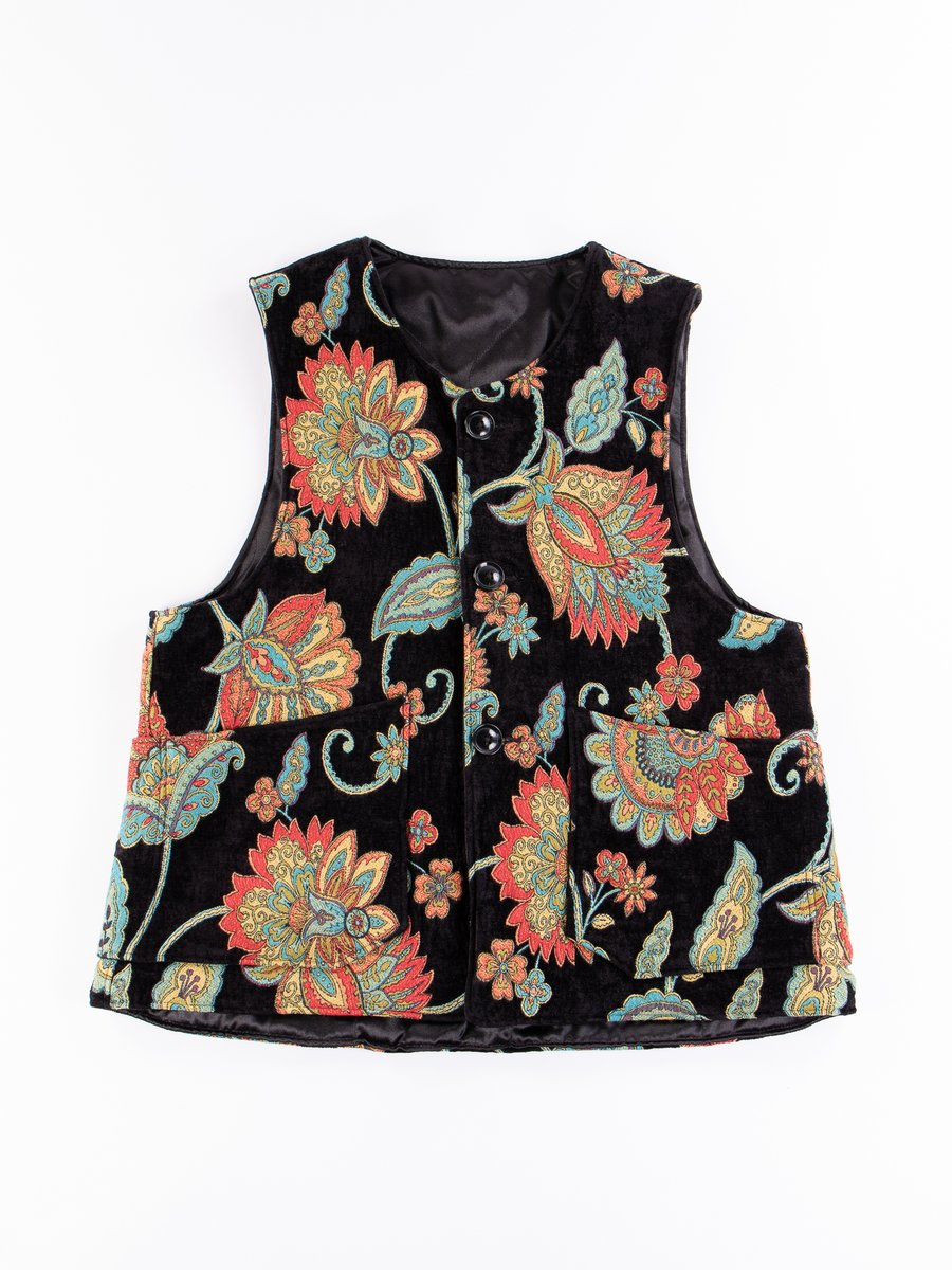 Black Floral Rug Jacquard Over Vest