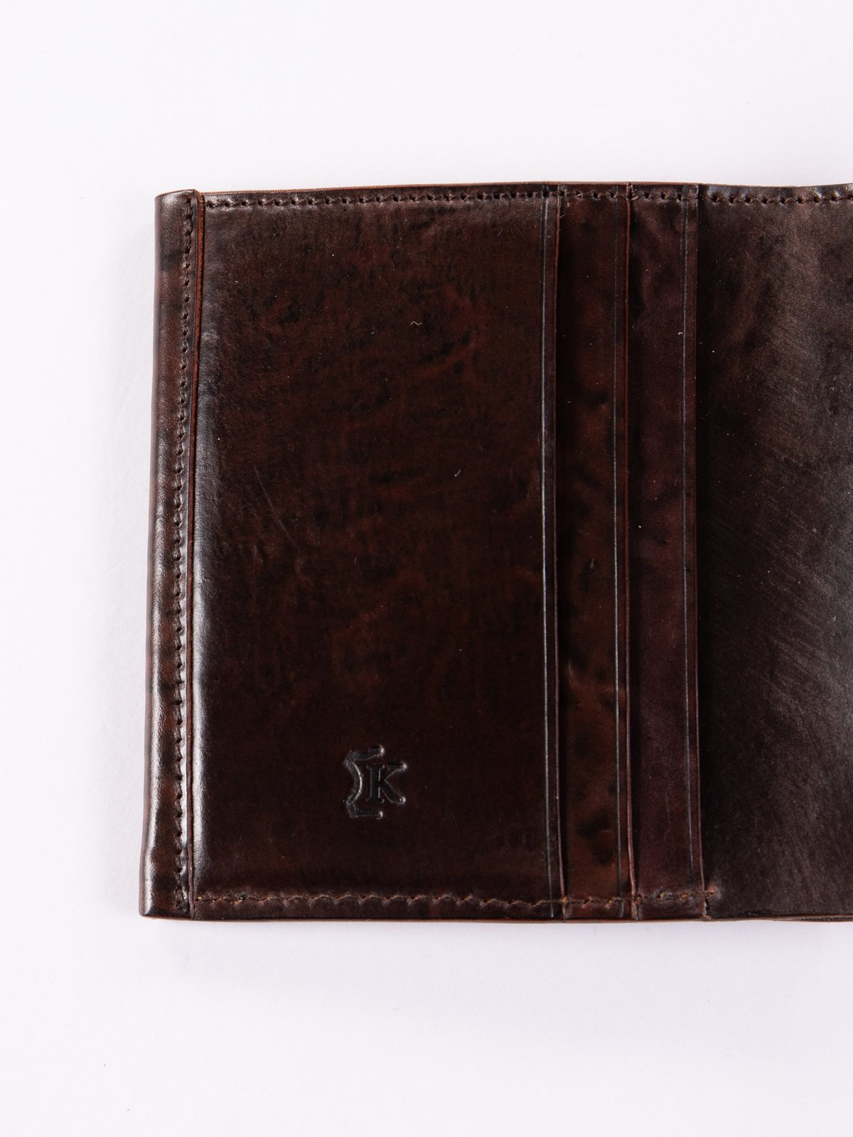 Tumbled Color 8 Horween Cordovan 3–3 Wallet - Image 3