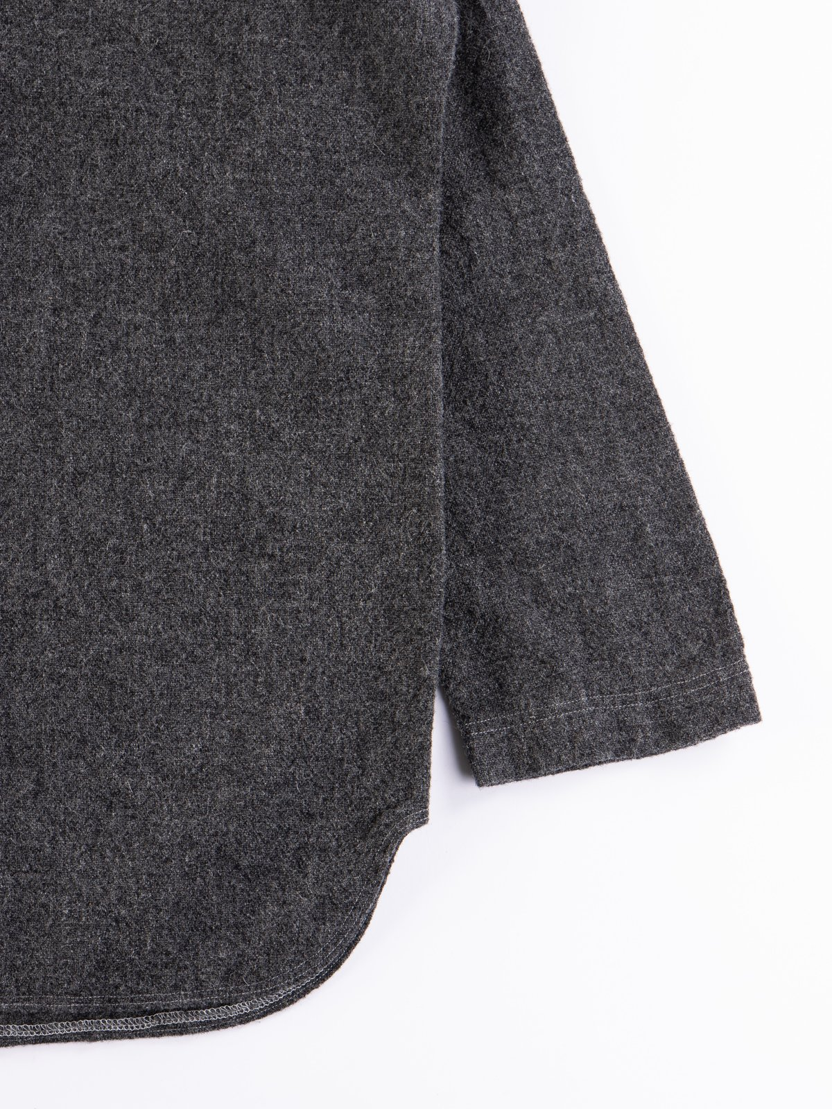 Charcoal Weavers Stock Pullover Tail Shirt - Image 4