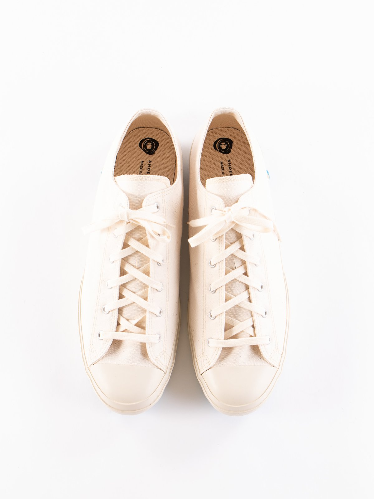 White 01JP Low Trainer - Image 7
