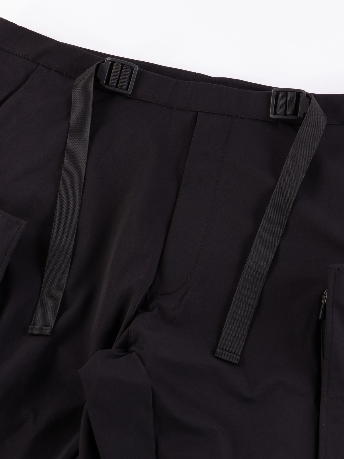 P31A–DS Black Schoeller Dryskin Drawcord Cargo Trouser - Image 3