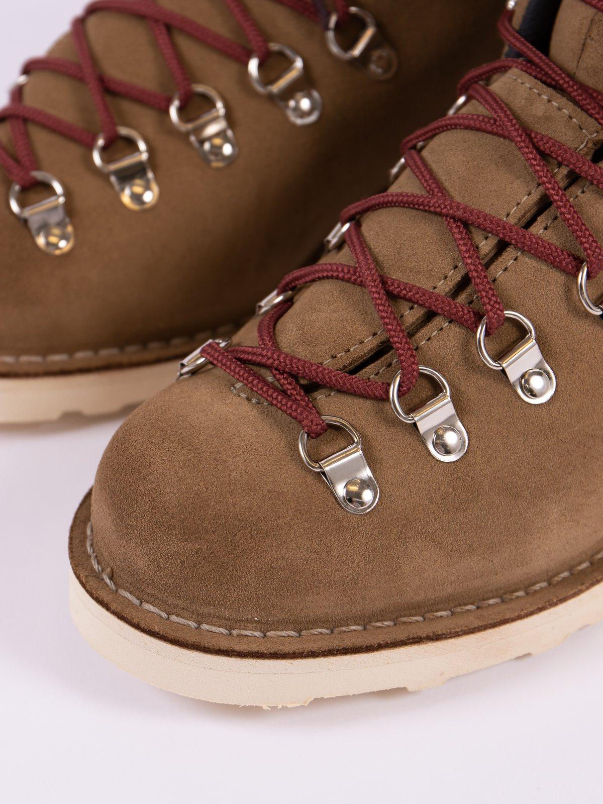 Tan Mountain Light Overton Boot - Image 3
