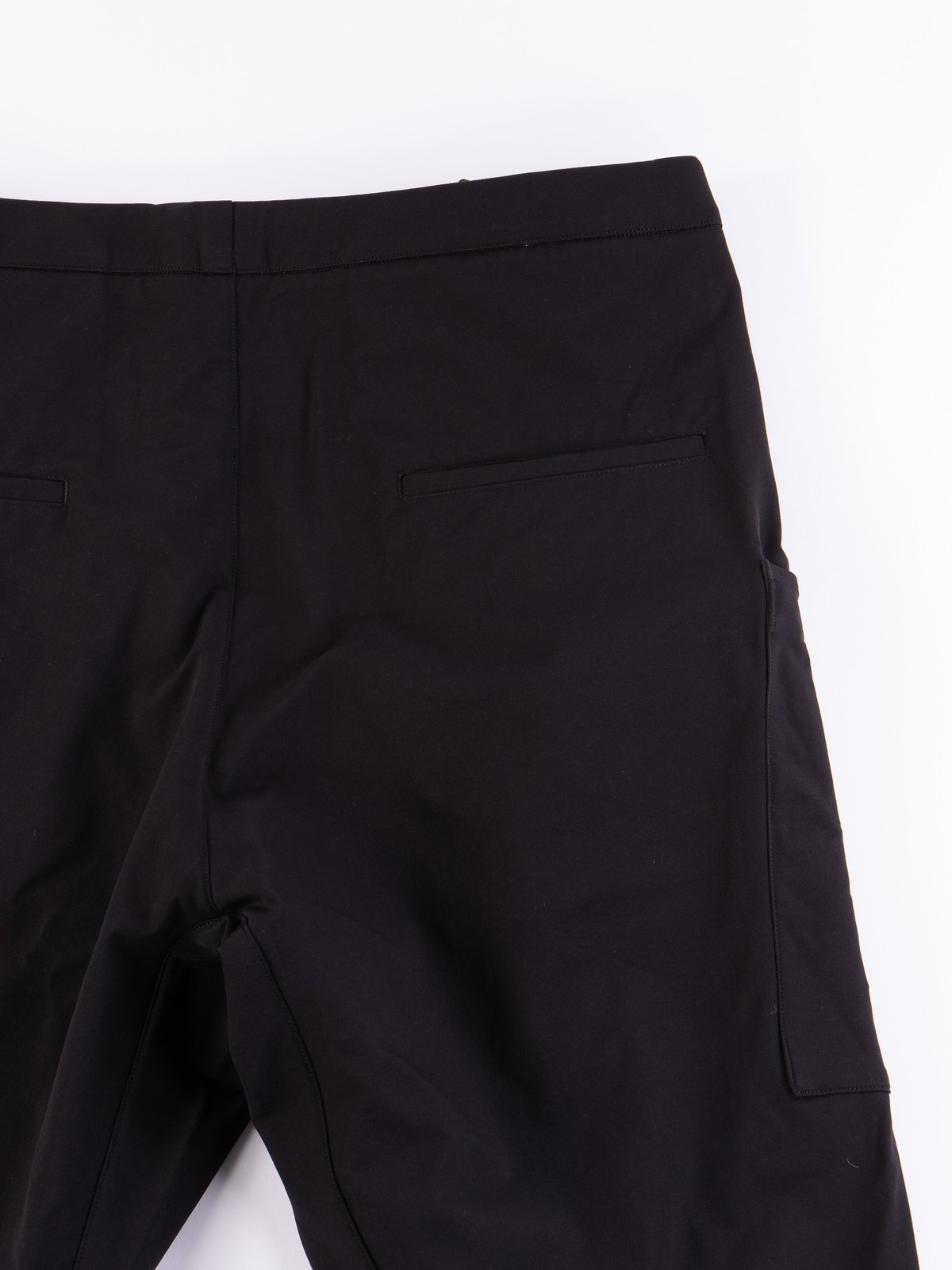 P31A–DS Black Schoeller Dryskin Drawcord Cargo Trouser - Image 4