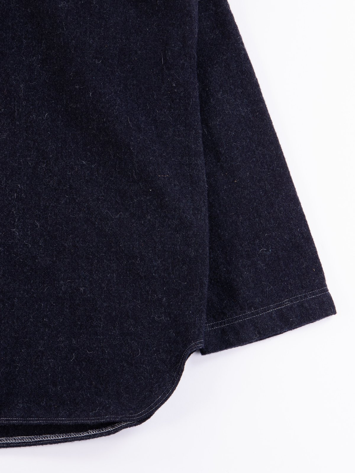 Navy Weavers Stock Pullover Tail Shirt - Image 4