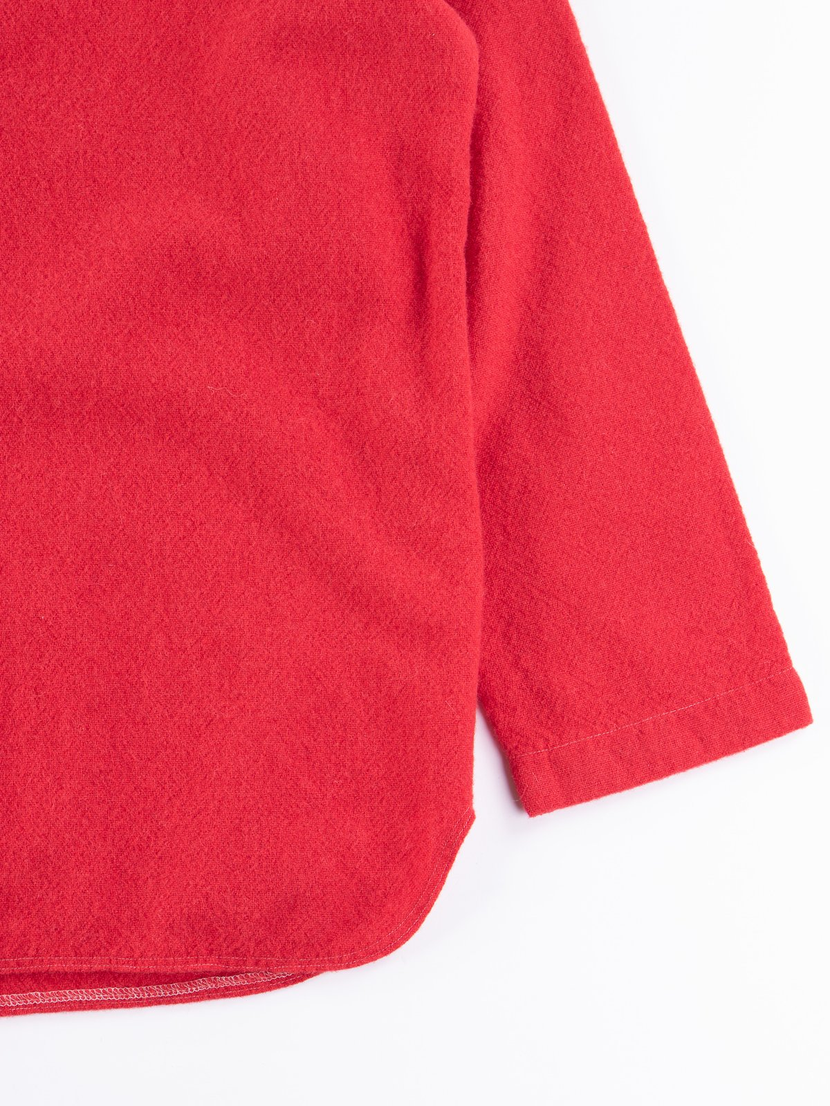 Scarlet Weavers Stock Pullover Tail Shirt - Image 4