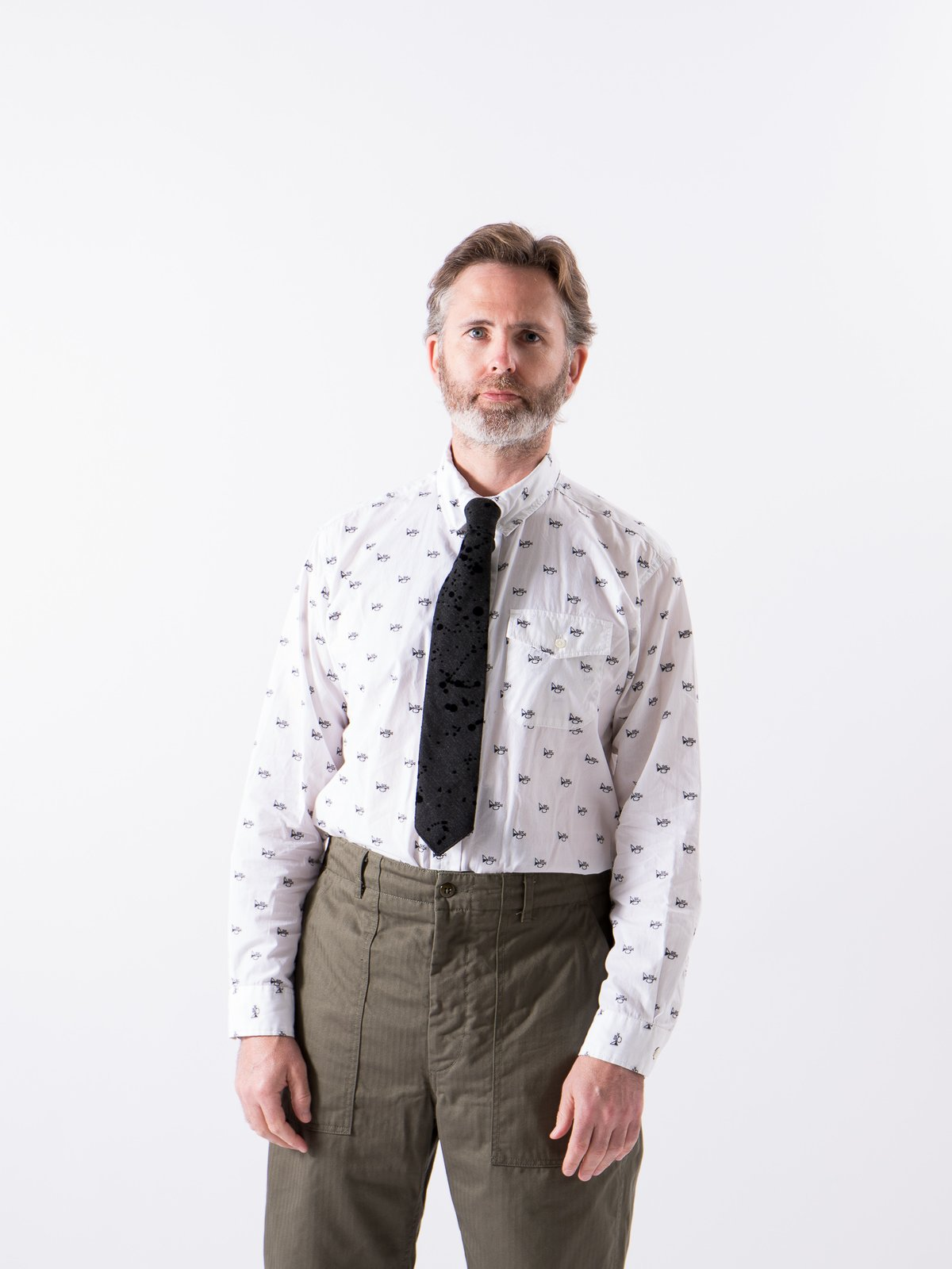 White Trumpet Embroidery Broadcloth Tab Collar Shirt - Image 2