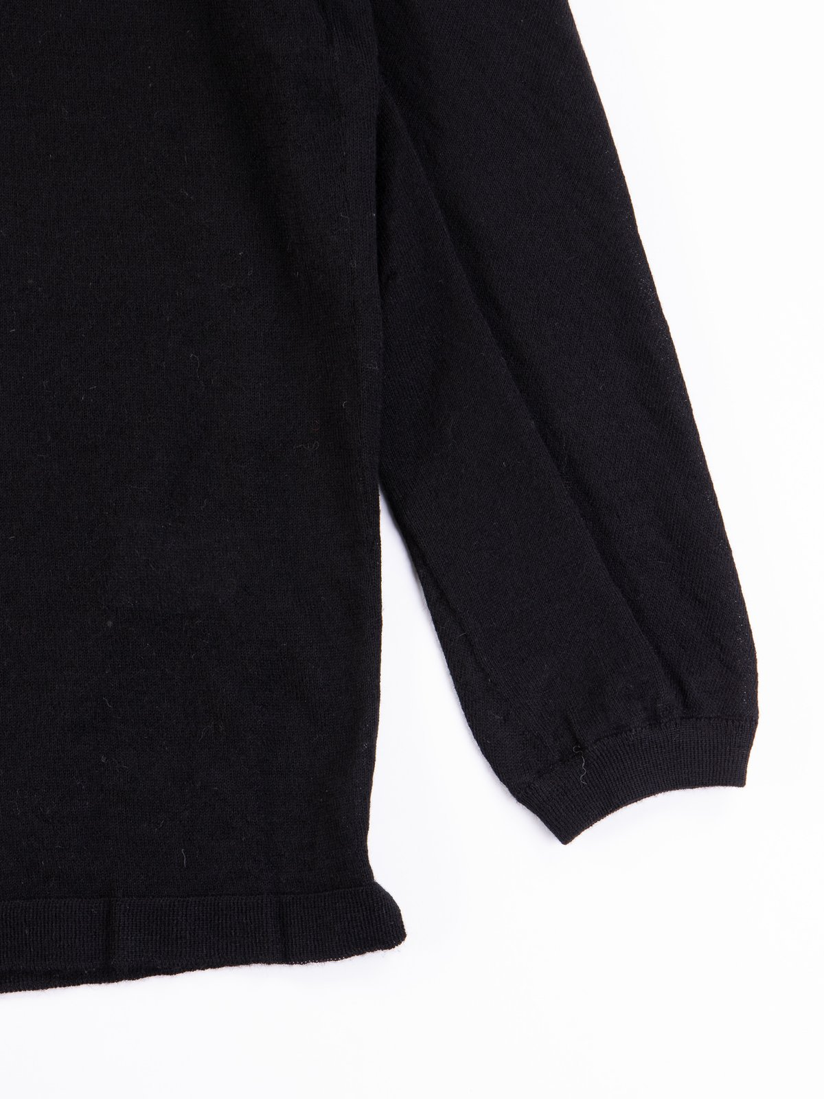 S23–AK Black Cashllama Long Sleeve Sweater - Image 3