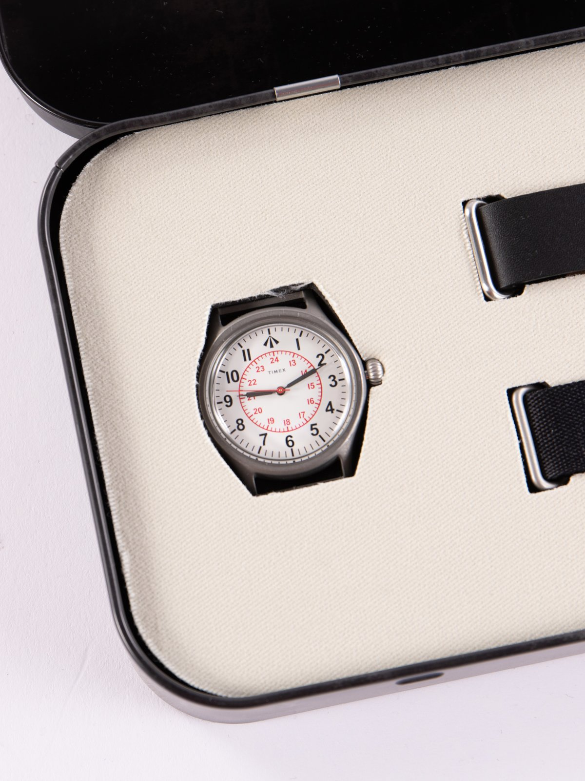 Cabourn x Timex Naval Officers Watch - Image 3