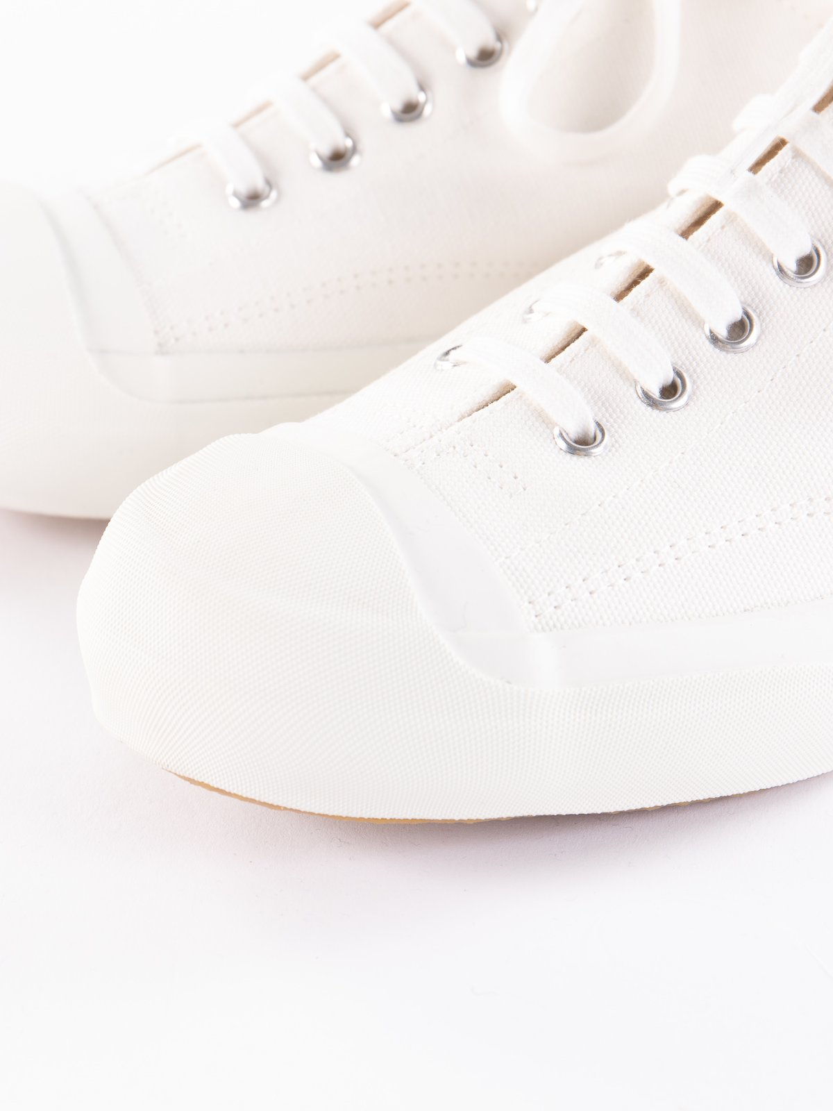 White Gym Court Trainer - Image 3