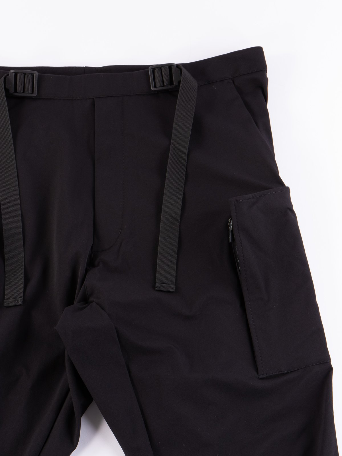 P31A–DS Black Schoeller Dryskin Drawcord Cargo Trouser - Image 2