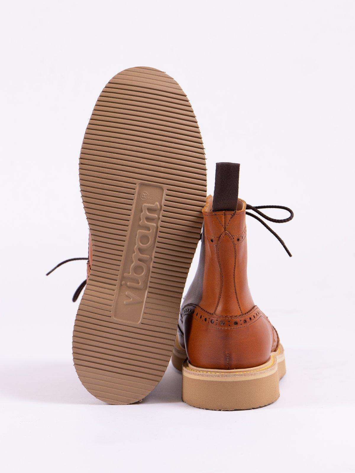 Acorn Funchal Brogue Stow Boot - Image 5