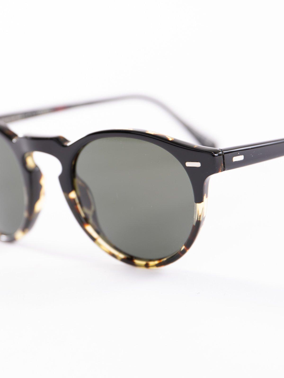 Black–DTBK Gradient/Green Polar Gregory Peck Sunglasses - Image 3
