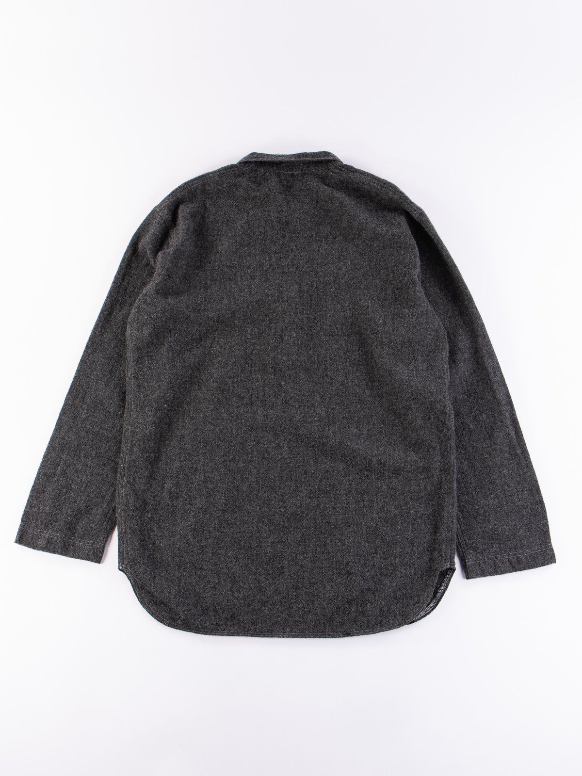 Charcoal Weavers Stock Pullover Tail Shirt - Image 5