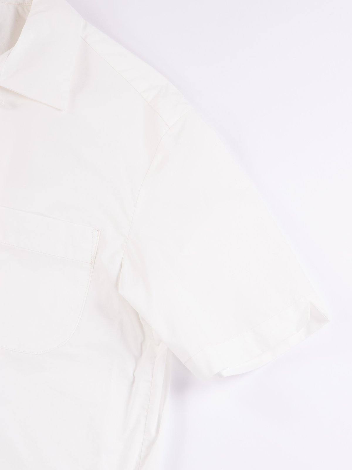 White Light Poplin Weekend Shirt - Image 4